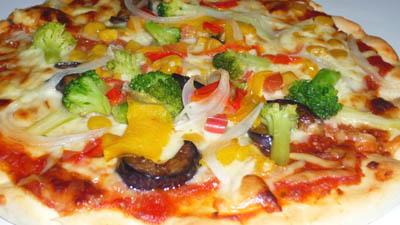 ピザ・ベーネカッサの彩菜ピザ