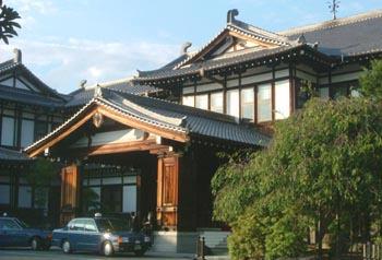 1奈良ホテル外観(チェックイン時)