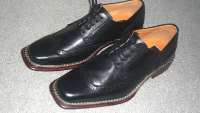 リョウコキクチ 革靴