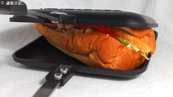 サブウェイのサンドイッチをホットサンドメーカーで焼く