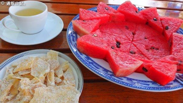 ニャチャン タップバー(泥温泉)お茶とフルーツ