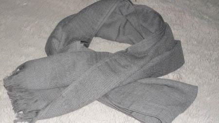 サーモコットンガーゼマフラーは本当に発熱するか?寒い朝 通勤で使ってみた。