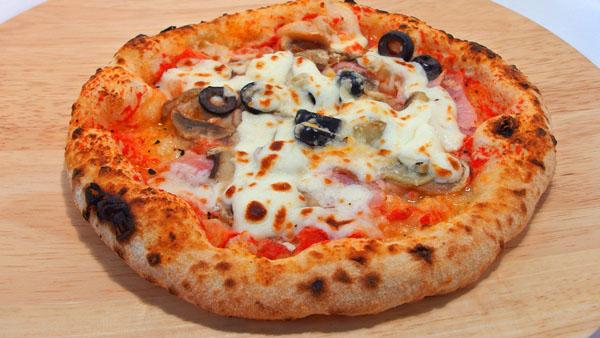通販版は少し残念… ダ・タケ(Pizzeria DaTAKE and Bambino)石窯ピッツァ(石窯ピザ)